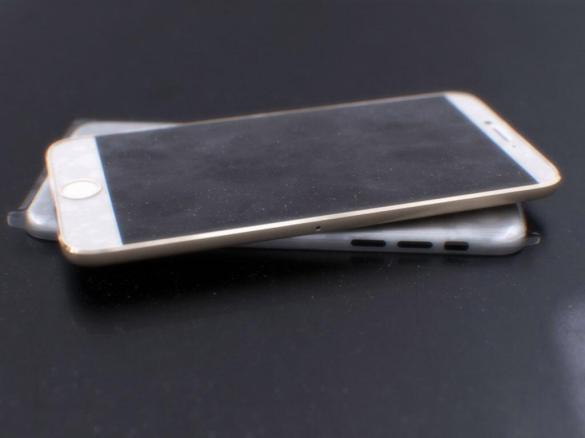 """O novo iPhone deve chegar com uma tela ainda maior do que a do 5s, atualmente com 4"""""""