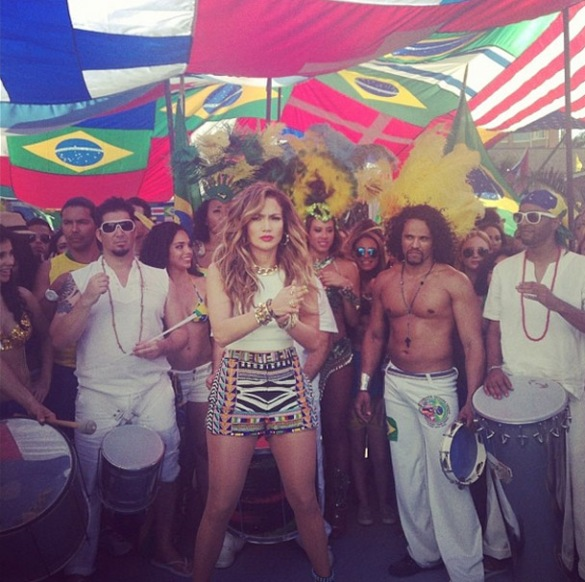jennifer lopez claudia leitte - videoclipe - we are one_010